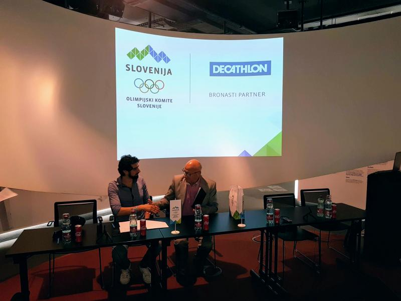 Decathlon nov bronasti partner
